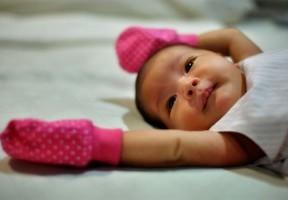 Está bien que los recién nacidos tengan hipo
