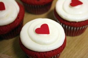 red_velvet_cupcakes1