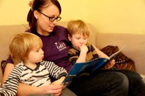 5 Preguntas que debes hacer antes de elegir una persona que cuide a tu hijo